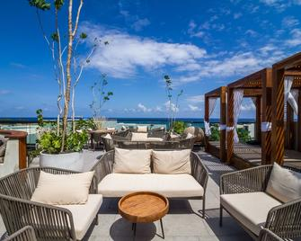 It Boutique Hotel & Restaurant - Playa del Carmen - Tagterrasse