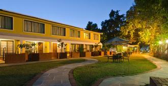 Saj Resort - Mahabaleshwar - Edificio