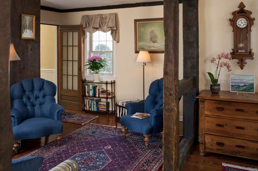 1802 House Bed & Breakfast - Kennebunkport - Aula