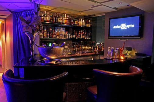 The Continent Hotel Bangkok By Compass Hospitality - Μπανγκόκ - Bar