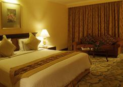 Aston Tropicana Hotel Bandung - Μπαντούνγκ - Κρεβατοκάμαρα