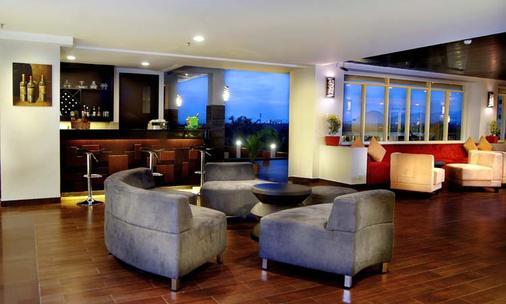 Aston Bogor Hotel and Resort - Bogor - Bar