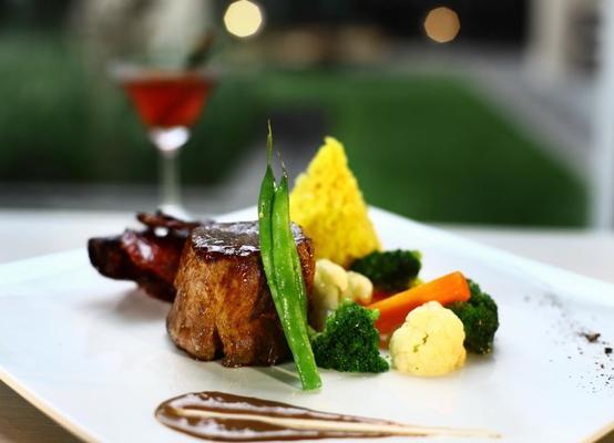 Grand Aston Yogyakarta - Yogyakarta - Food