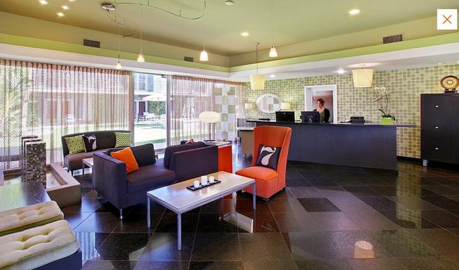 7 Springs Inn & Suites - Palm Springs - Recepción
