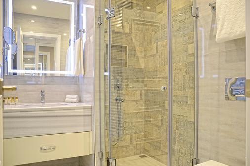 City Avenue - Tbilisi - Phòng tắm