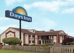 Days Inn by Wyndham Shawnee - Shawnee - Building