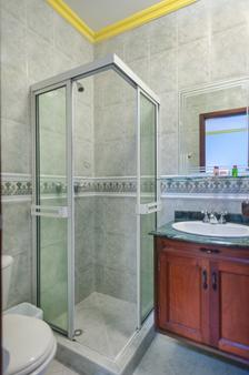 Castellana Real - Cali - Banheiro
