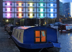 Houseboat Hotels - Hotel boat - Sheffield - Building