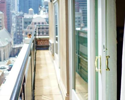 Radio City Apartments - New York - Balcony