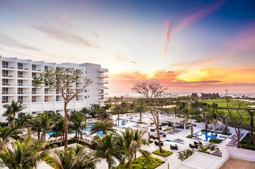 Conrad Cartagena - Punta Canoas - Building
