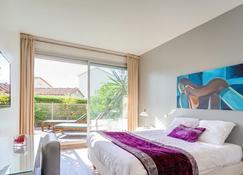 Hotel Sable Et Soleil - Port et Plage - Fréjus - Bedroom