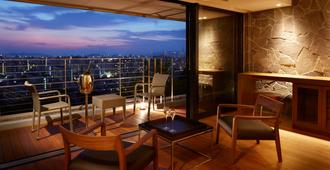 Agora Fukuoka Hilltop Hotel & Spa - Fukuoka - Balkong