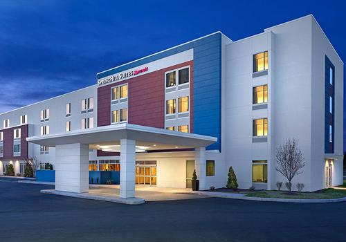 20 Best Hotels in Uniondale, New York  Hotels from $155