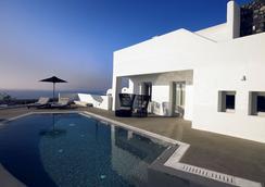 桑托瑪里斯歐亞豪華套房酒店 - 聖托里尼 - 伊亞 - 游泳池