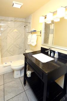 Blue Marlin Inn & Suites - Virginia Beach - Kylpyhuone