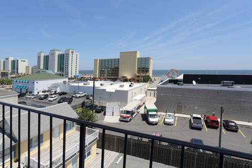 Blue Marlin Inn & Suites - Virginia Beach - Parveke