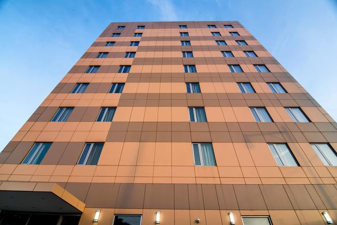 John Hotel - Queens - Building