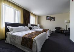 John Hotel - Queens - Phòng ngủ