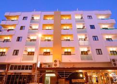 Apartamentos Poniente Playa - Sant Antoni de Portmany - Building