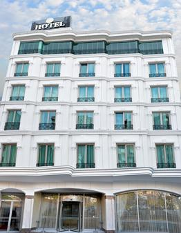 The Grand Mira Business Hotel - Istanbul - Building