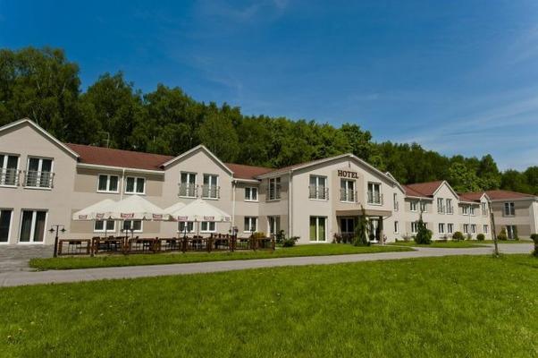 Hotel Borowina - Konstancin-Jeziorna - Edificio
