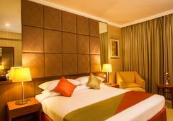 Ellaa Hotel Gachibowli - Hyderabad - Bedroom