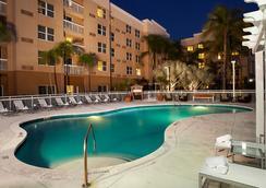 Courtyard by Marriott Miami Aventura Mall - Aventura - Pool