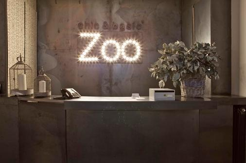 Chic & Basic Zoo - Barcelona - Lễ tân