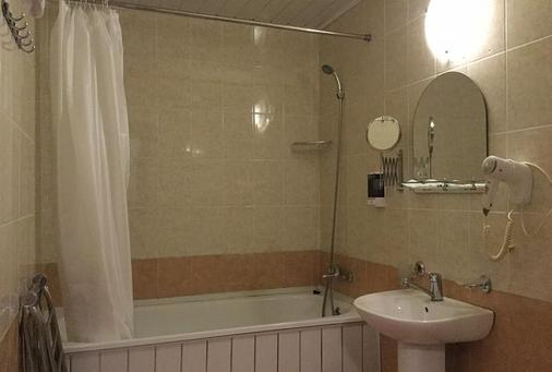 Kaissa Hotel - Sochi - Bathroom