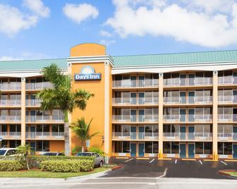 Days Inn by Wyndham Fort Lauderdale-Oakland Park Airport N - Fort Lauderdale - Building