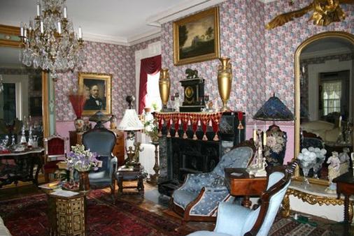 House Of 1833 Bed & Breakfast & Gardens - Mystic - Olohuone