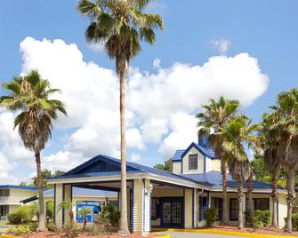 Days Inn by Wyndham Kissimmee FL - Kissimmee - Edifício