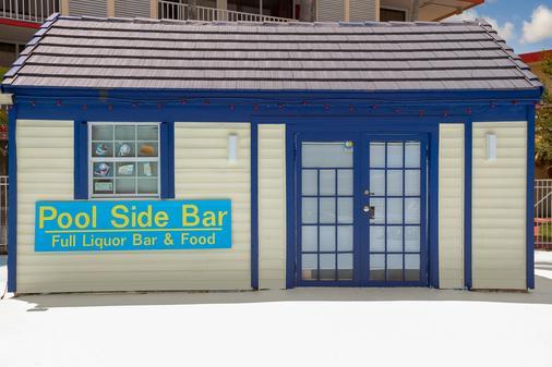 Days Inn by Wyndham Kissimmee FL - Kissimmee - Baari