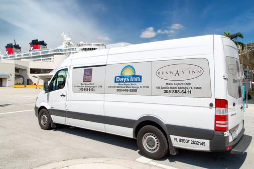 Days Inn by Wyndham Miami Airport North - Miami Springs - Hotellin palvelut