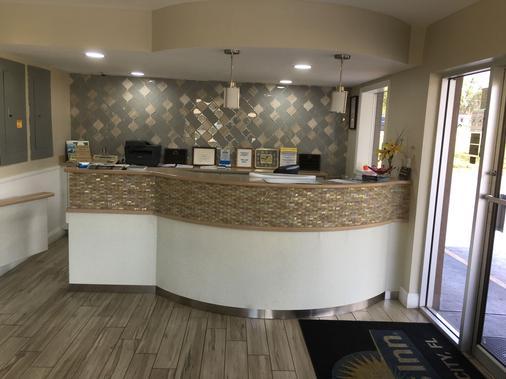 Days Inn by Wyndham Orange City/Deland - Orange City - Lobby
