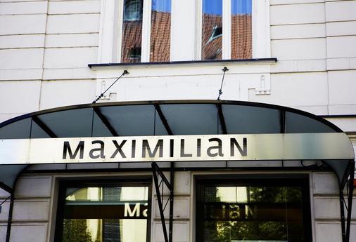 Hotel Maximilian - Prague - Building