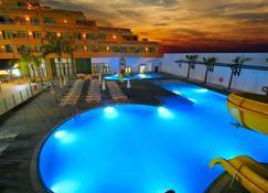 Advise Hotel Reina - Vera - Pool