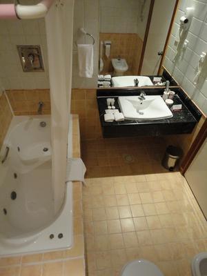 Gulf Pearl Hotel - Manama - Phòng tắm