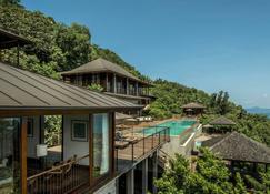 Four Seasons Resort Seychelles - Baie Lazare - Building