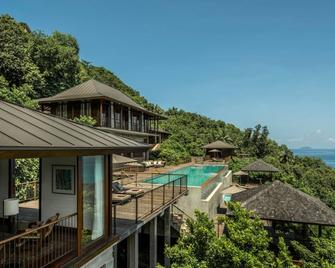 Four Seasons Resort Seychelles - Бе-Лазар Має - Building