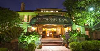 La Colombe d'Or - Houston - Building