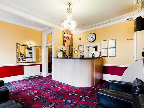 都鐸宮廷飯店 - 倫敦 - 櫃檯