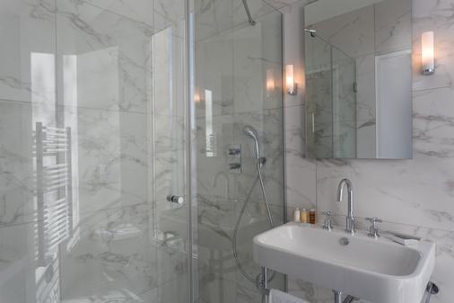 Hôtel La Comtesse - Paris - Bathroom