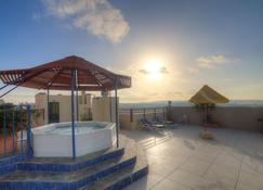 Bella Vista Hotel - Qawra - Kattoterassi