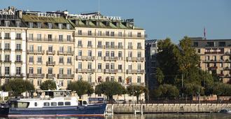 The Ritz-Carlton, Hotel de la Paix, Geneva - ג'נבה