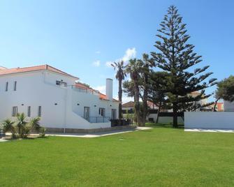Silver Seahorse Garden Retreat - Peniche - Edifício