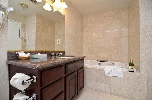 Days Inn & Suites by Wyndham Sunnyvale - Sunnyvale - Phòng tắm