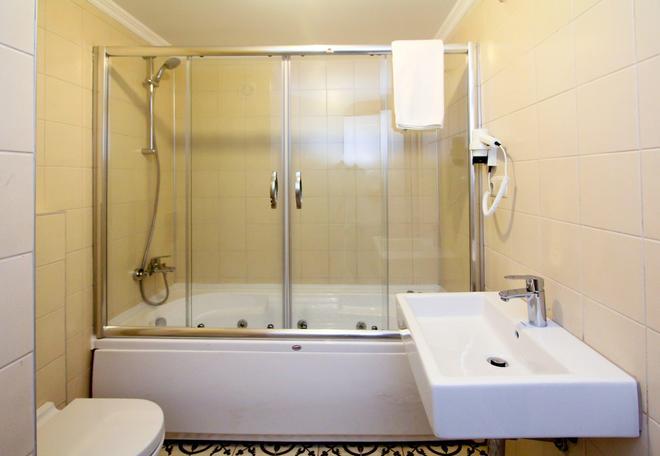 Ozhan Istanbul City - Istanbul - Bathroom
