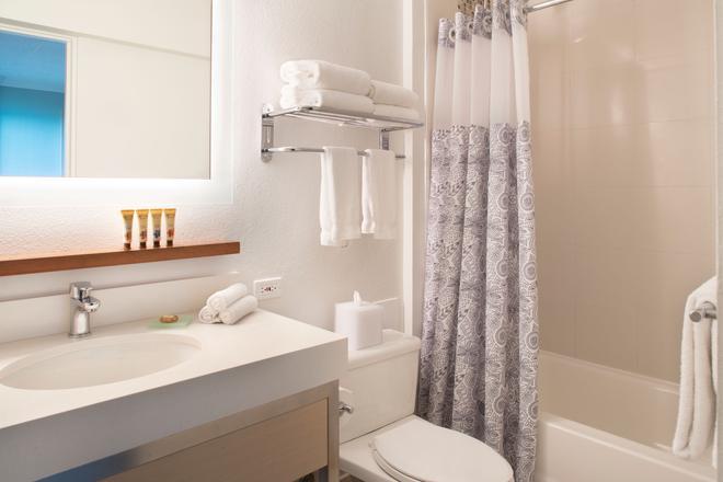 卡皮歐拉尼皇后酒店 - 檀香山 - 檀香山 - 浴室