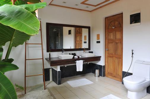 Vilamendhoo Island Resort & Spa - Vilamendhoo - Bathroom